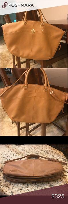 a88b4e09df9 Tory Burch Brown ivy slouchy satchel Tory Burch slouchy pebbled leather satchel  bag. Golden hardware