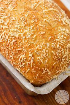Pão de Parmesão Fofinho | Para o Café da Manhã ou Lanche da Tarde. #receita #pão #queijo #cafédamanhã #lanche #cafédatarde