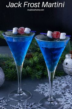 Jack Frost Martini with Blue Curacao -- This gorgeous Jack Frost Martini is an excellent addition to any holiday party. It's a classic martini with a chilly blue curacao twist! Christmas Martini, Christmas Cocktails, Holiday Cocktails, Cocktail Drinks, Fun Drinks, Margarita Cocktail, Lemonade Cocktail, Alcoholic Beverages, Mixed Drinks