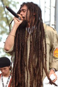 Damian Marley when he's not lookin like a homeless person lol.have you noticed by now i have a BAD dreads obsession? Damian Marley, Bob Marley, Dancehall Reggae, Reggae Music, Reggae Concerts, Music Music, Ocho Rios, Kingston, Marley Brothers
