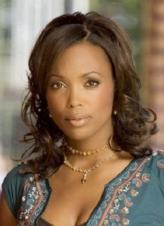 Aisha Tyler has a degree in government and environmental policy from Dartmouth. Most Beautiful Faces, Beautiful Black Women, Beautiful People, Beautiful Ladies, Aisha Tyler, Jennifer Love Hewitt, Tyler Young, Black Actresses, Hollywood Actresses