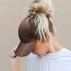 SIMPLESHOW Glitter Ponytail Baseball Cap Women Snapback Hip Hop Caps Female  Sequins Shine Summer Hats Mesh Outdoor Hat Bone b8312d52eae7