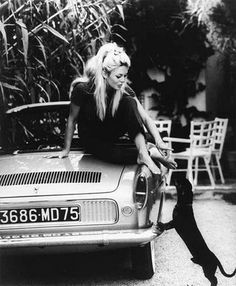 Brigitte Bardot and dog #dachshund