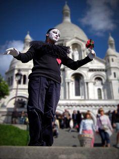 Mime artist, Sacré-Cœur Basilica, Paris.