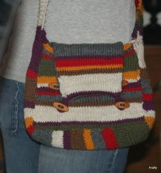 doctor who handbag - Free pattern. And I might add that this is just AWESOME!