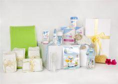 Bebé Lux: todo lo necesario para que el cuidado de tu bebé sea lo más sencillo y confortable: una hamaquita para bañarle, un práctico termómetro de baño, un set de manicura, y los mejores productos para cuidar su piel y hacer más fácil su alimentación… ¡Más fácil para los papás y todo un lujo para el bebé!   Por 175€ en http://www.lafarmaciadelbebe.eu