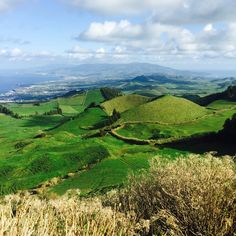 Why The Azores Need To Be On Your Bucket List - via The Huffington Post 17.02.2015 | Located in the Atlantic ocean and a short flight away from mainland Portugal, these nine islands create a world of their own. Each island is known for a colour, with the biggest one being San Miguel.