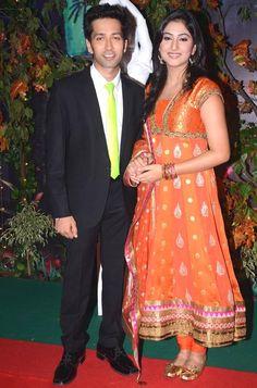 Nakuul Mehta aka Aditya and Disha Parmar aka 'Pyaar Ka Dard Hai Meetha Meetha Pyaara Pyaara' at the Star Parivaar Awards 2013 #Bollywood #Fashion