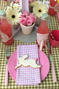 páscoa   Quer mais algumas idéias para a Páscoa?       Inspire-se nas imagens de cestas para crianças e adultos, ovos decorados, sucos...