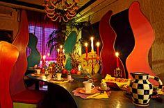 Abali Gran Sultanato (Palermo, Italia) 1001 colores intensos y temas árabes extravagantes son las piedras angulares de este Bed and Breakfast en Palermo. Como bono adicional, al parecer, hay trajes en las habitaciones que coinciden con la decoración y el tema.