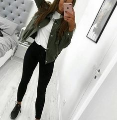 47 Excellent Spring Fashion Outfits Ideas For Teen Girls – fabriciofashion.c… 47 Excellent Spring Fashion Outfits Ideas For Teen Girls – fabriciofashion. Teenager Outfits, School Outfits For Teen Girls, Outfit Ideas For Teen Girls, Back To School Outfits For College, College Girls, College Girl Outfits, Girls School, College Girl Style, College Looks