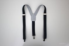 Clever suspenders tutorial from SweetKM using Dritz suspender clips & slides. Love the back piece she made; see her #sewing tutorial for instructions & pattern.