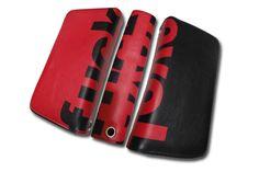 Πορτοφόλι Double Love_F Ένα πολύ βολικό πορτοφόλι και με πρωτότυπο design για όλες τις ώρες! Μπορεί επίσης να χρησιμοποιηθεί και ως τσαντάκι, αφού χωράει τα πάντα. Αποτελείται από δύο θήκες με φερμουάρ, όπου η μία πλευρά έχει θήκες για μεγάλες κάρτες ή για την ταυτότητα και ειδικό διαχωριστικό στη μέση. Η άλλη πλευρά αποτελείται από ειδικές θήκες για πιστωτικές ή για τις κλασσικές κάρτες οι οποίες διαχωρίζονται από ειδική εσοχή με φερμουάρ για τα νομίσματα. Μπορείτε να το κρατήσετ...