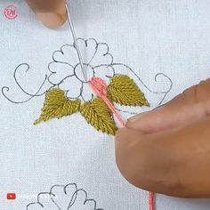 Basic Hand Embroidery Stitches, Hand Embroidery Patterns Flowers, Hand Embroidery Projects, Hand Embroidery Videos, Hand Embroidery Tutorial, Creative Embroidery, Simple Embroidery, Hand Embroidery Designs, Embroidery Techniques
