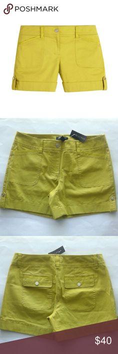 Cuffed twill green bergamot shorts -5 inch inseam -Cuffed hem with button tab detail -Silvertone hardware -98% cotton, 2% spandex White House Black Market Shorts