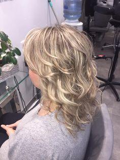 Perłowy blond. Wykonanie: Monika. www.fryzjer.lublin.pl #hair #hairstyle #haircut #blonde #pearl #long #Lublin #włosy #fryzury