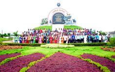 सुकमा के पंचायत जनप्रतिनिधियों ने नया रायपुर स्थित जंगल सफारी परिसर का भ्रमण कर तस्वीरें खिंचाई।