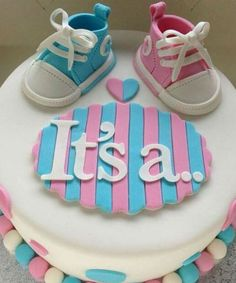 Baby Shower Cake with Blue and Pink - Gender reveal cake by elba Torta Baby Shower, Unisex Baby Shower Cakes, Fiesta Baby Shower, Baby Cakes, Baby Reveal Cakes, Baby Gender Reveal Party, Gender Party, Shower Party, Baby Shower Parties
