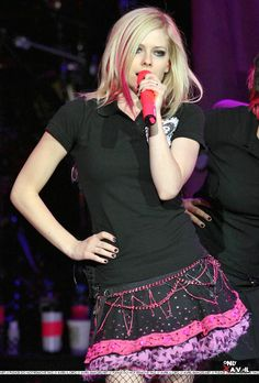 The Best Damn Thing Promo Tour 2007 « Rubrika   Only czech fansite about AVRIL LAVIGNE