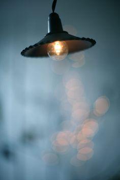 http://carolinebriel.com/cinqmai/ -★- light
