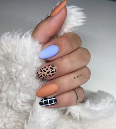 30+ Fab Orange Nails For Fall 2020 - The Glossychic Cute Gel Nails, Chic Nails, Stylish Nails, Love Nails, Trendy Nails, Orange Nail Art, Orange Nails, Cute Nails For Fall, Simple Fall Nails