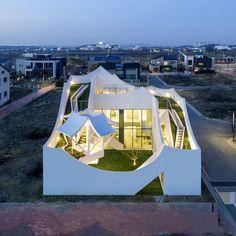 Flying House by IROJE KHM Architects 자연을 가득 싣고 착륙한 비행선 인천공항 인근에 새로 ...