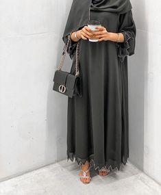 Modern Hijab Fashion, Modesty Fashion, Arab Fashion, Hijab Fashion Inspiration, Muslim Fashion, Fashion Outfits, Mode Abaya, Mode Hijab, Abaya Designs Latest