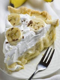 Old Fashioned Banana Cream Pie is from scratch homemade pie recipe like your grandmas used to make. Homemade buttery crust, creamy banana filling...