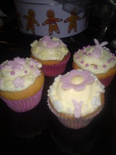 Christening cup cakes made to match Hannah's cake