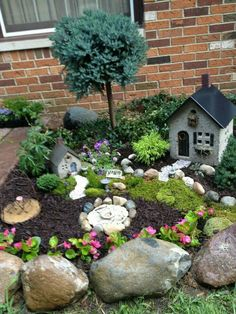Impressive Magical Mini Garden Ideas - Have you heard of those adorable Fairy gardens? They're becoming increasingly popular and more and more people love that new addition in their house or backyard. A Fairy Garden is basically a miniature garden made Fairy Garden Plants, Mini Fairy Garden, Fairy Garden Houses, Diy Garden, Gnome Garden, Garden Projects, Fairy Gardening, Shade Garden, Garden Pots