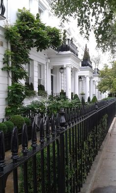 Front Doors With Windows, Ancient Greek Architecture, Gothic Architecture, London Townhouse, Welcome To My House, Somewhere In Time, London Garden, Beautiful Streets, Grand Mosque