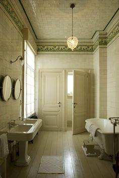 New Bath Room Design Azulejos Ideas Home, Classic Bathroom, Bathroom Inspiration, Vintage Bathrooms, Bathroom Decor, Beautiful Bathrooms, House, Luxury Bathroom, Bathroom Design