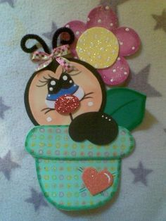 Catarina Decorate Notebook, Foam Crafts, Ladybugs, Cartoon Drawings, Paper Piecing, Flamingo, Bee, Lettering, Quilts