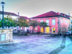 Boa noite :D Aspecto da Praça Municipal de Arcos de #Valdevez perto do lusco-fusco de hoje - http://ift.tt/1MZR1pw -