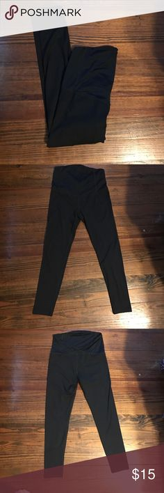 Maternity Workout Pants EUC. Be Maternity By Ingrid & Isabel Workout leggings. Full front panel with crossing in the back. Piling in between legs. (Shown in photos). 28in inseam. Smoke free dog friendly home. Ingrid & Isabel Pants Track Pants & Joggers