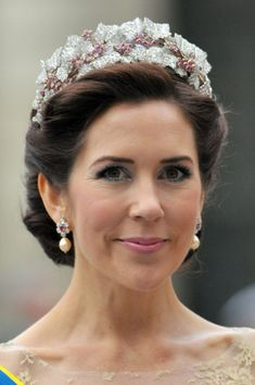 Crown Princess Mary of Denmark attends the wedding of Crown Princess Victoria of Sweden and Daniel Westling on June 2010 in Stockholm, Sweden. (Photo by Dominique Charriau/WireImage) Princess Marie Of Denmark, Princess Victoria Of Sweden, Princess Alexandra, Crown Princess Victoria, Crown Princess Mary, Prince And Princess, Prince Harry, Princesa Mary, Royal Crowns