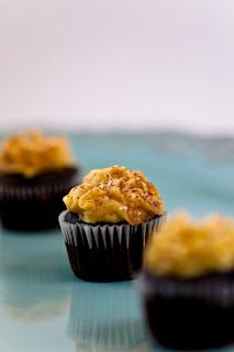 Desserts for Breakfast: Vegan chocolate pumpkin cupcakes