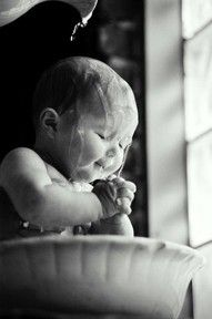 So cute, baby bath time So Cute Baby, Baby Kind, Cute Kids, Baby Baby, Adorable Babies, Baby Girls, Baby Dogs, Cutest Babies, Baby Pictures