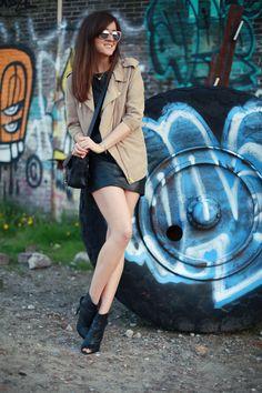 Dress: H Trend  |  Jacket: ACNE  |  Bag: Proenza Schouler  |  Shoes: Mango  | Necklace: Neha  |  Sunglasses: H