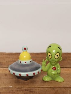 Alien Salt and Pepper Set - Gypsy Warrior no place like home!!