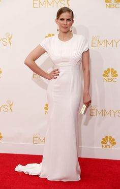 Modest Fashion at the 2014 Emmy Awards: Anna Chlumsky