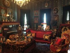 Owning A Character Style Victorian House It Sounds Dreamy Until You Enter And Discover That Ancient Antiquity Runs