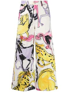 Colourful Outfits, Cool Outfits, Fashion Outfits, Stella Mccartney, Fendi, Moda Vintage, Horse Print, Cropped Trousers, Fashion Graphic