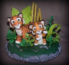 tigers cake topper by melinaminotti -- wow looks super real