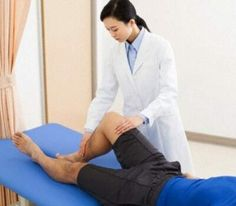 Dont wait to treat knee problems says doctor http://m.edarabia.com/dont-wait-to-treat-knee-problems-says-doctor/82100/
