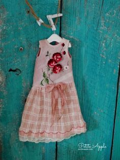 """Blythe doll outfit  """"Long weekend"""" grunge chic vintage embroidered dress"""