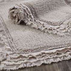 Frayed Edge Dove Gray 21x34 Bath Rug