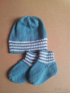 Baby Mütze und Socken aus 100% Bio-Baumwolle, gestrickt, vegan, Babyparty, Junge von LiMariann auf Etsy