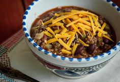 A Wendy's chili Wendys Chili, Food Photo, Cheddar, Soup, Meat, Cooking, Recipes, Inspiration, Kitchen