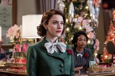 Interview with The Marvelous Mrs. Maisel star Rachel Brosnahan on season Paris, Emmys and standup comedy. Rachel Brosnahan, Gilmore Girls, Vintage Outfits, Vintage Fashion, 50s Outfits, Amy, Malibu, Studios, Look Vintage